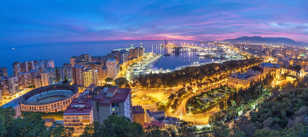 malaga-puerto-night