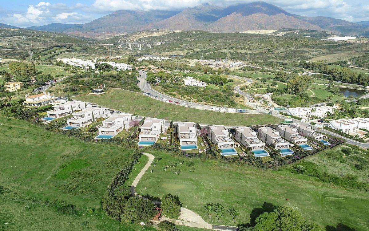 AVS01227-Takara-Villas-Estepona-1-1200x750